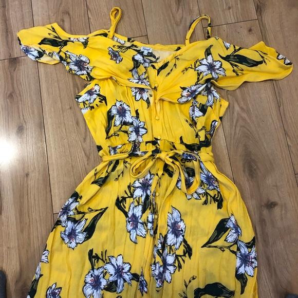 ⭐️HOST PICK⭐️Yellow Cold Shoulder Dress